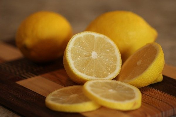 7 Kitchen Ingredients for Acne Treatment