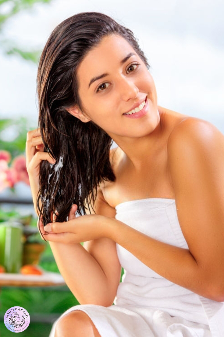 How you wash your hair can make your break your hair health! Stop guessing and do it right with our step by step guide on how to wash your hair correctly!